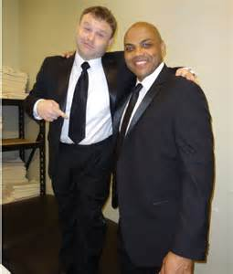 Frank Caliendo (with chair) and Charles Barkley.