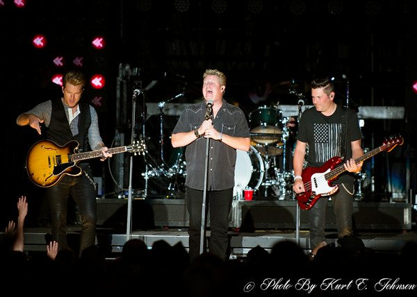 Rascal Flatts at Harvey's 8-24-2014-182-M