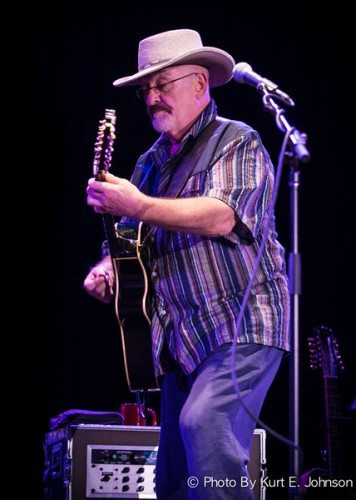 Dave Mason at Harrah's South Shore Room 10-04-2014-82-L