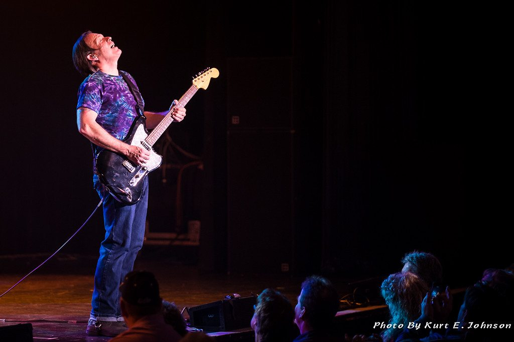 Tommy Castro rocks Lake Tahoe during a December 2014 appearance.