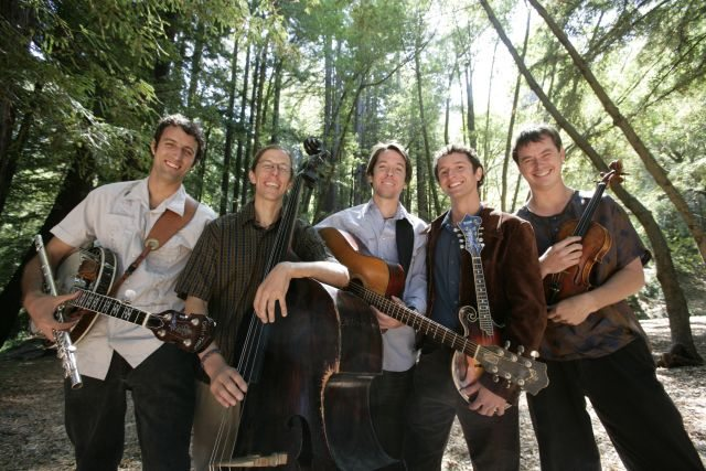 Hot Buttered Rum goes good in wintertime with Tahoe music lovers