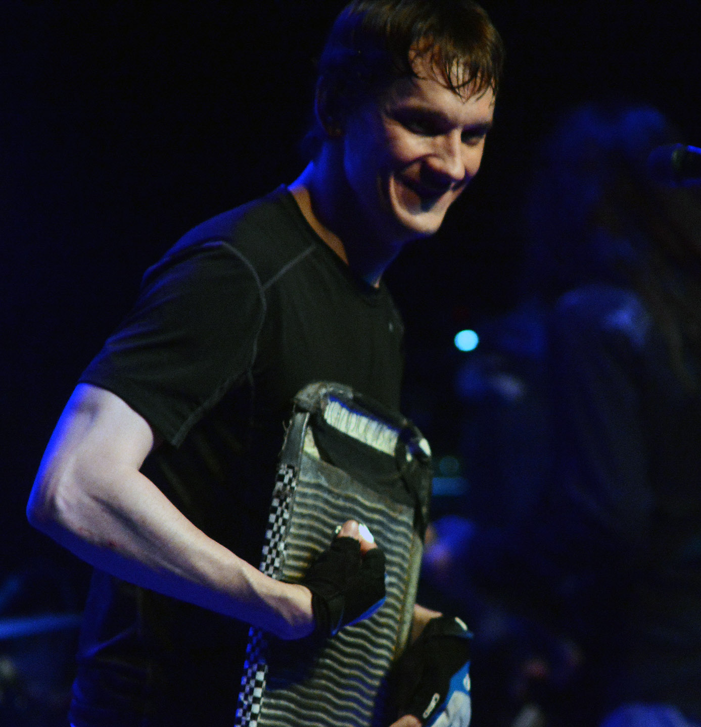 Cody Dickinson on the washboard. Tim Parsons / Tahoe Onstage