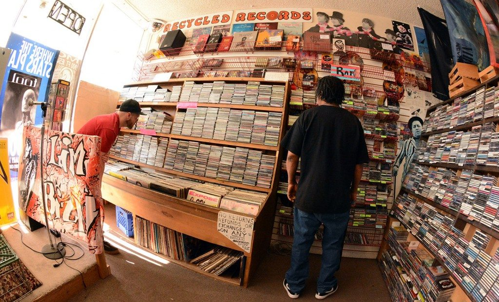 Reno Music Stores : record store culture celebrated tahoe onstage lake tahoe music concerts and sports ~ Hamham.info Haus und Dekorationen