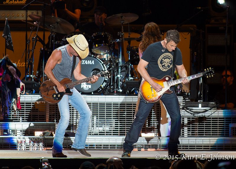Kenny Chesney-Chase Rice @ Harvey's Outdoor Arena 07-22-2015-134-L