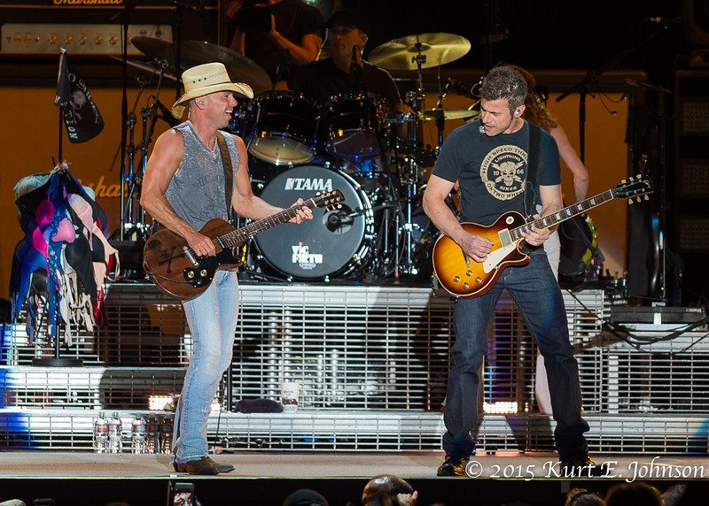 Kenny Chesney-Chase Rice @ Harvey's Outdoor Arena 07-22-2015-141-L