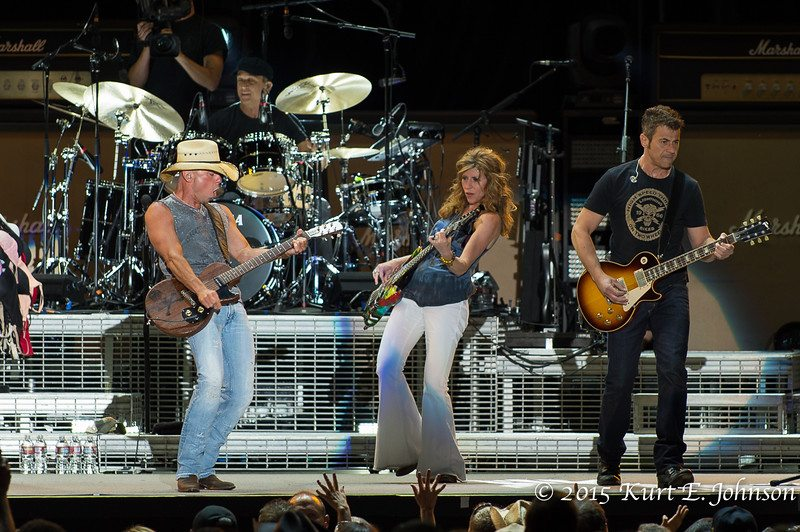Kenny Chesney-Chase Rice @ Harvey's Outdoor Arena 07-22-2015-181-L