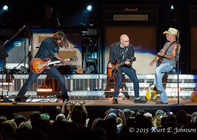 Kenny Chesney-Chase Rice @ Harvey's Outdoor Arena 07-22-2015-209-L