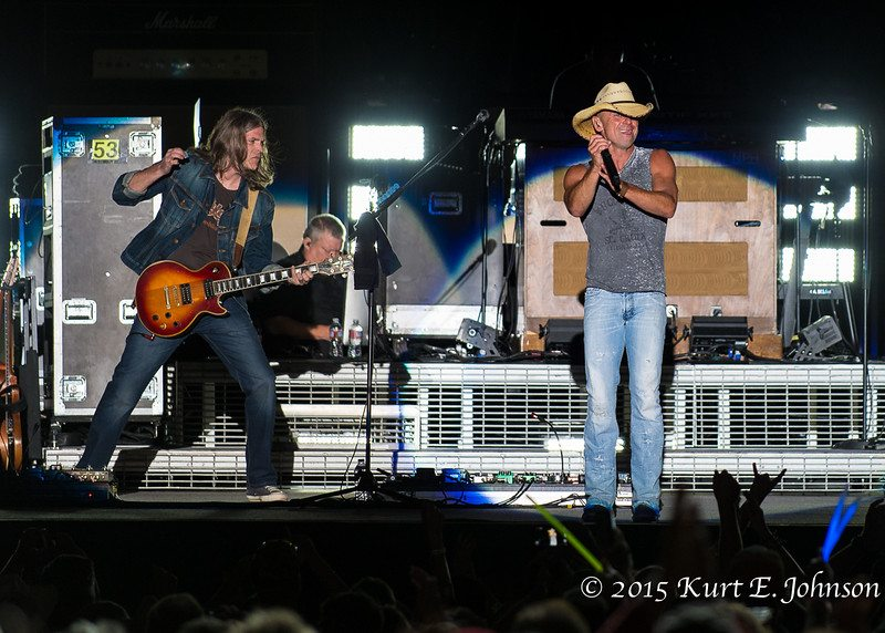 Kenny Chesney-Chase Rice @ Harvey's Outdoor Arena 07-22-2015-259-L