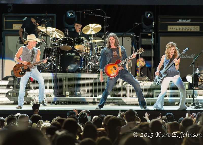 Kenny Chesney-Chase Rice @ Harvey's Outdoor Arena 07-22-2015-307-L
