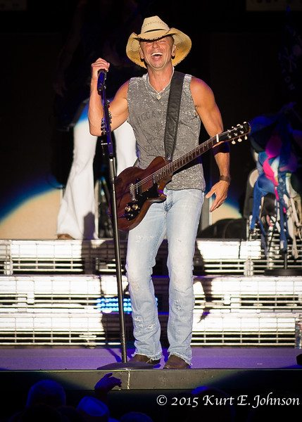 Kenny Chesney-Chase Rice @ Harvey's Outdoor Arena 07-22-2015-323-L