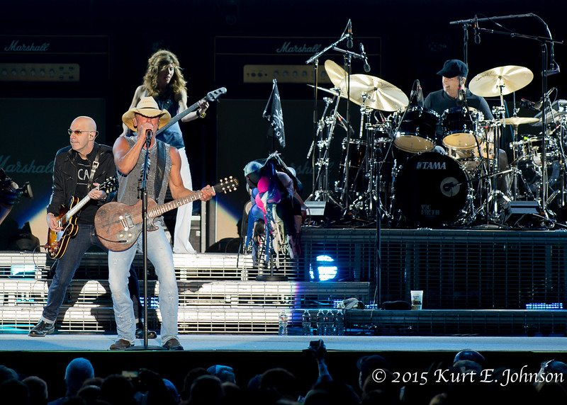 Kenny Chesney-Chase Rice @ Harvey's Outdoor Arena 07-22-2015-372-L