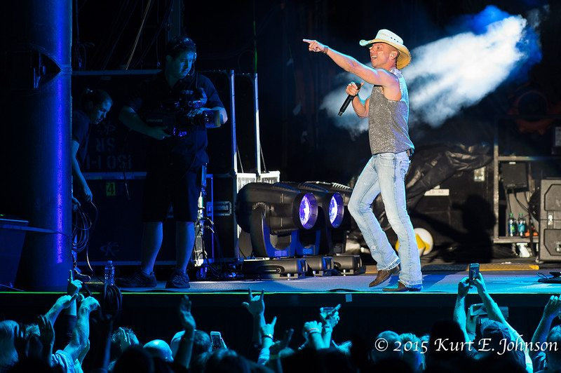 Kenny Chesney-Chase Rice @ Harvey's Outdoor Arena 07-22-2015-476-L