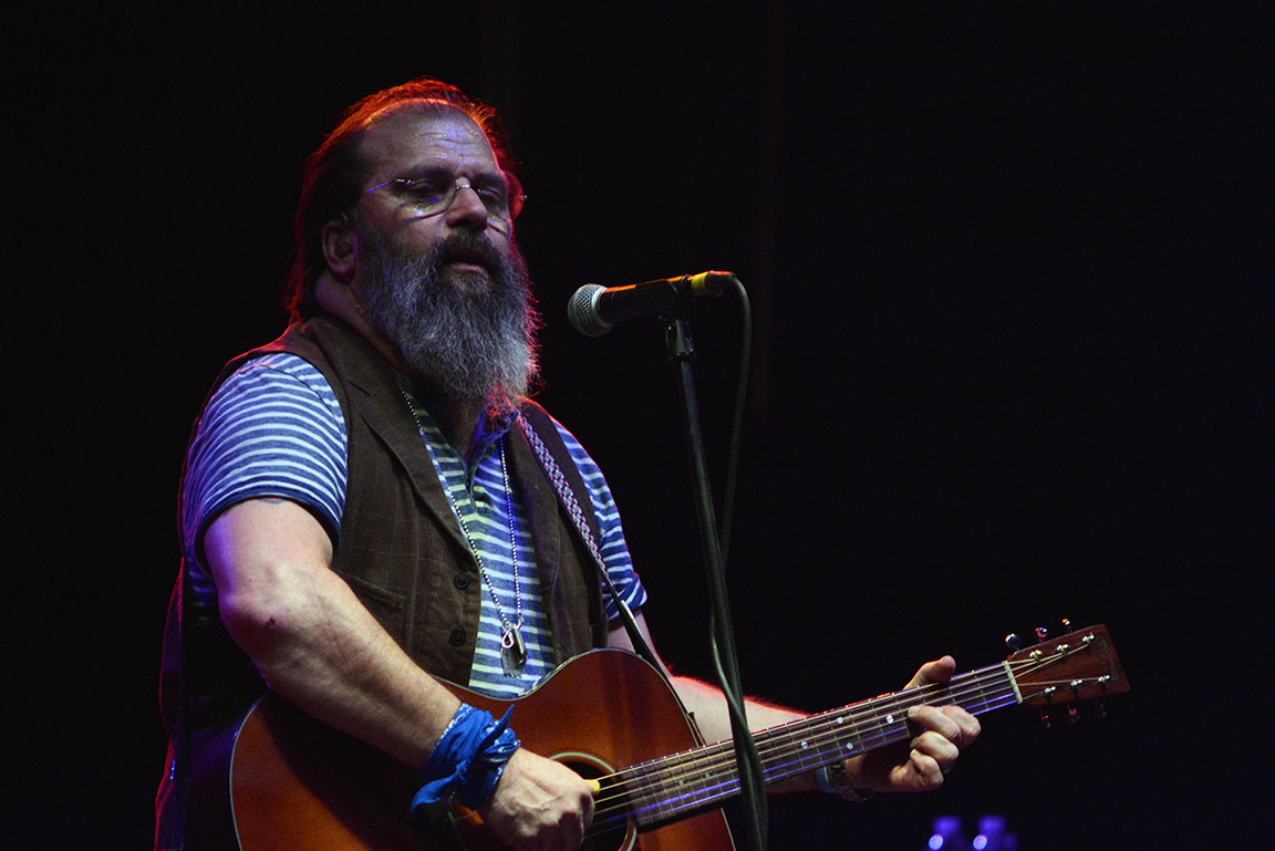 steve earle amp the dukes turn knitting factory into a honky