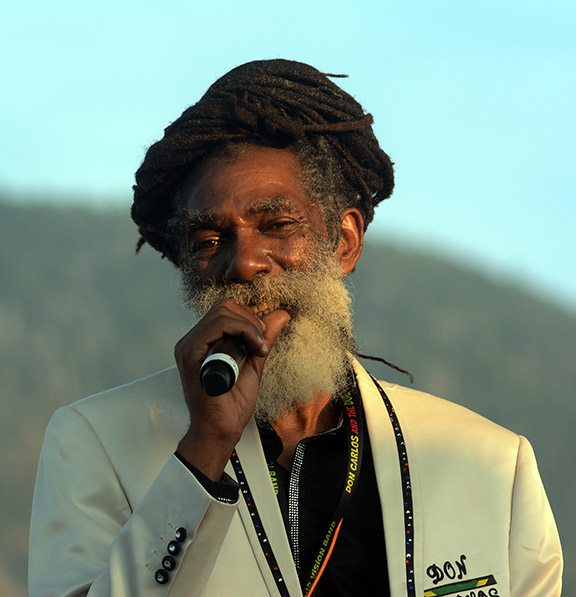 Eye to eye and irie: Don Carlos at Lake Tahoe. Tim Parsons / Tahoe Onstage