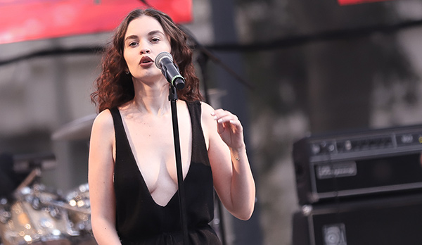 Sabrina Claudio at the Sol Blume Festival in Sacramento. Shaun Astor / Tahoe Onstage