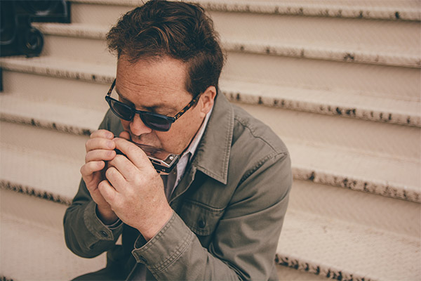 If you're looking for new, cool blues give Tim Gartland's new album a spin.