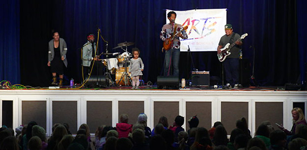 Ron Artis & The Truth and the family perform at Arts for the Schools. Amanda Jacobs / Tahoe Onstage